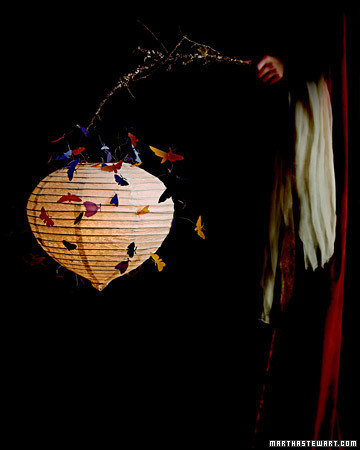 la102080_1006_lantern.jpg