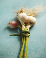 fresh-garlic-mld107571.jpg