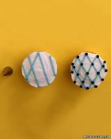 ka101247_sp05_cupcakes4.jpg