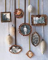 n6x1368_hol06_ornaments.jpg