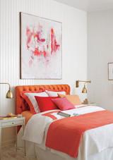 red-orange-bedroom-1016.jpg (skyword:349452)