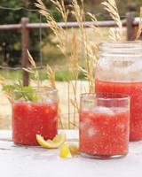tomatoe-juice-mld107744.jpg