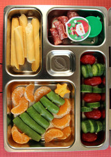 christmas-tree-bento-box.jpg (skyword357484)  sc 1 st  Martha Stewart & 9 Cute Christmas Bento Boxes that Will Get Kids into the Holiday ... Aboutintivar.Com