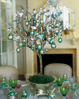 ml80_1297_ornaments_tree.jpg