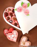 3104_020508_heartcandybox.jpg