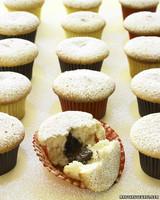 msl_sept06_dessert_cupcake.jpg