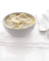 cauliflower-puree-med106461.jpg