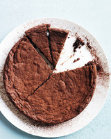 fudgy-brownie-cake-md109612.jpg