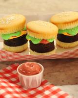 hamburger-cupcakes-mslb7127.jpg