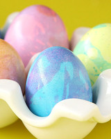 marbleize-easter-eggs-video.jpg