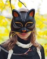 mld104574_1009_catmask_girl.jpg