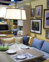 str_seating_area_in_kitchen.jpg