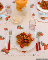 a98535_0701_wafflesw_berries.jpg
