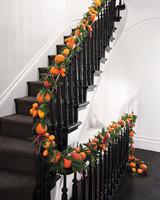 garland-stairway-004-d111539.jpg