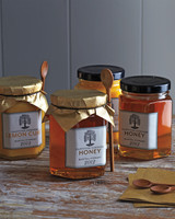 honey-in-jars-0014-mld109636.jpg