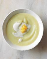 leek-parsnip-soup-3-md107770.jpg