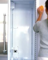 mla97431_0998_scrubbing_door.jpg