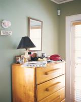 home-makeover-08-d100245-0915.jpg