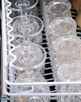 ml711_1197_dishwasher_glasses.jpg