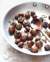 mushrooms-herbs-1011mld107609.jpg