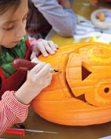pumpkin-carving-1011mld106819.jpg