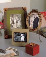 n19x1368_hol06_pinecone_frames.jpg