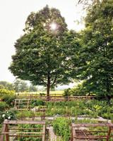 page-dickey-garden-45-md110307.jpg