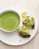 broccoli-spinach-soup-mbd108230.jpg