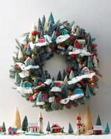 Small World Wreath 0130 D111506