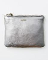 baggu-metallic-pouch-111-d112494.jpg