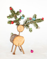 christmas-tree-deer-d110918-0979.jpg