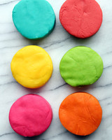 diy-play-dough-hellobee-001-0714.jpg