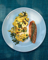 scrambled-eggs-herbs-016-d111563.jpg