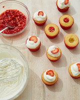 strawberry-cupcakes-3627-d112594.jpg