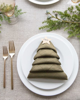 christmas tree napkin fold table setting with name tags