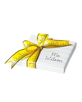 end-of-year-gift-wrap-321-d111061.jpg