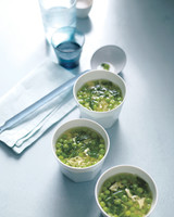 pea-lemon-egg-drop-soup-mld104167.jpg