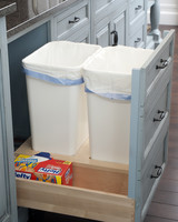 Pull-Out-Trash-Drawer-with-storage.jpg (skyword:232402)