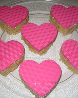vday_treat_ugc09_heart_basketweave.jpg