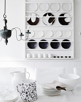 black-white-plate-rack-9070-d113008.jpg