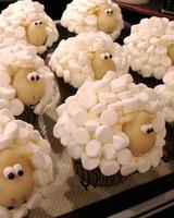 cupcake_contest_0211_sheep_cupcakes.jpg