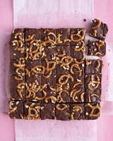 fudge-pretzels-0711med107478-swe001.jpg