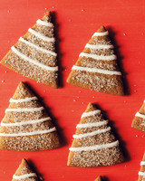 med106330_1210_jar_gingerbread_tree.jpg