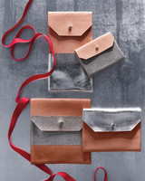 silver-leather-pouches-0278-d112411.jpg