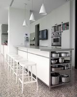 alexis-stewart-kitchen-001-mld109079.jpg