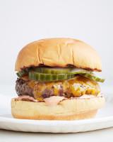 new-classic-burger-0624-d111106-0614.jpg