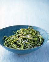 Parsley-Flaxseed Pesto Pasta