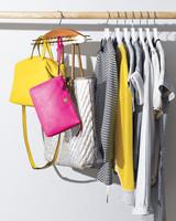 tierack-hanging-handbags-676-d111605.jpg