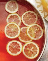 elderflower-champagne-punch-med109135。jpg