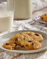 mh_1093_banana_chocolate_chip_cookies.jpg
